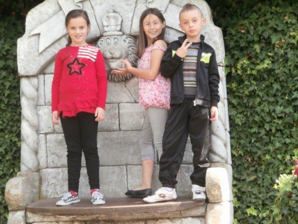 ma belle soeur et sa cousine et son cousin