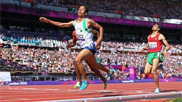 Un Eulmi champion Olympique sur 800m (catégorie T13)