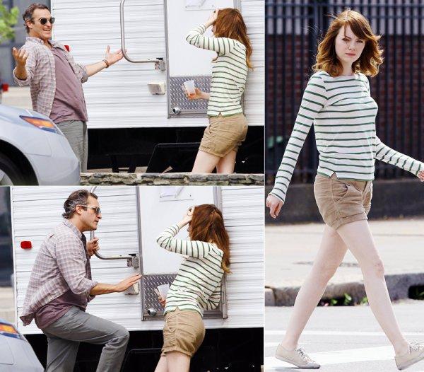 Emma Stone & Jeremy Renner.