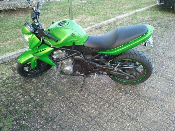 Voici ma nouvelle moto apres mon accident en mai ..