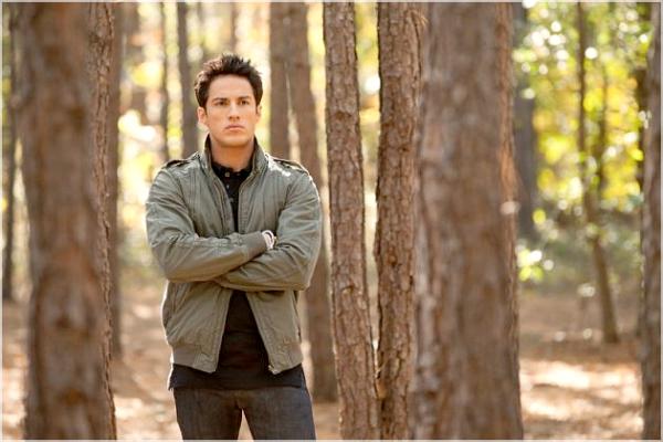 * Stills : Voici deux nouveaux Stills issue de l'épisode 11 de la saison 3 de Vampires Diaries.   *