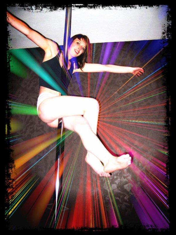 tenue pour la pratique de la pole dance poledance. Black Bedroom Furniture Sets. Home Design Ideas