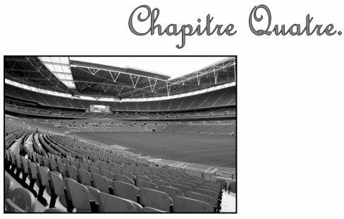 . . Chapitre Quatre . «__Invisible.__». . - ♥ ._____________