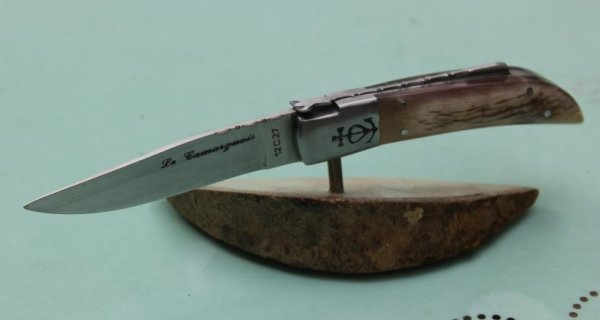 C'est bien d'acheter un couteau mais le faire c'est mieux