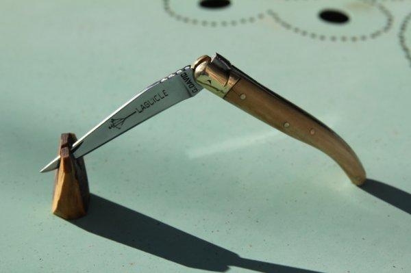 9ème couteau