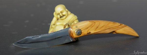 11ème couteau en olivier