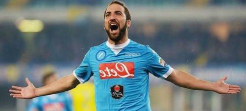 Napoli Tolak Tawaran Atletico untuk Higuain