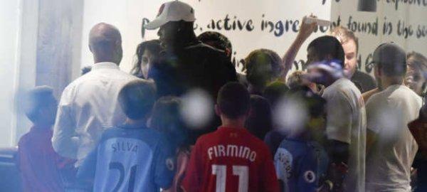Pogba Diserang Fans Rival Manchester United