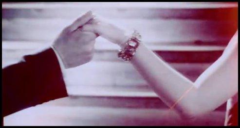 « La main, c'est bien. Ca n'engage pas trop celui qui la donne et ça apaise beaucoup celui qui la reçoit...»
