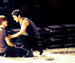 "OS WonKyu : ""Laisse-moi être ton sauveur..."""