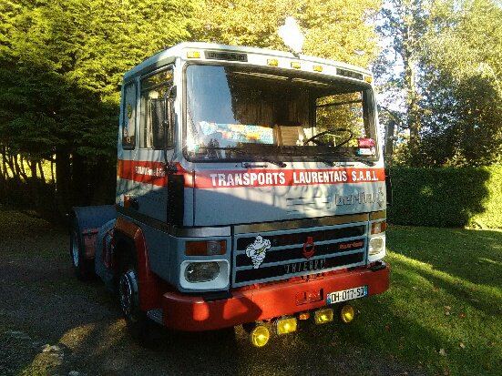 BERLIET TR280 TRANSPORTS LAURENTAIS