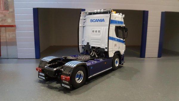 SCANIA R520  NORDIK LINE