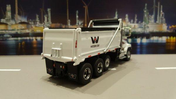 WESTERN STAR 4700SB