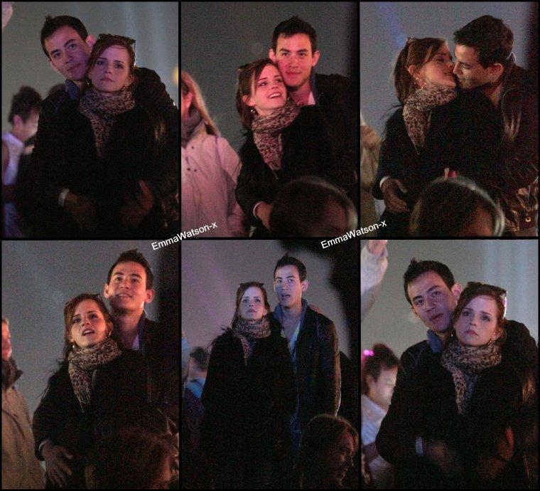 Le 14 avril 2012 , Emma était à Coachella ( C'est une festival ) avec ses amis et son petit ami , Will Adamowicz.