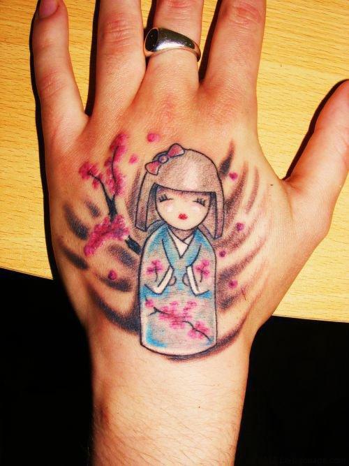 tatoo de poupée japonaise