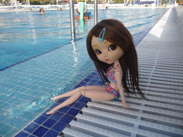 pullip nina a la piscine
