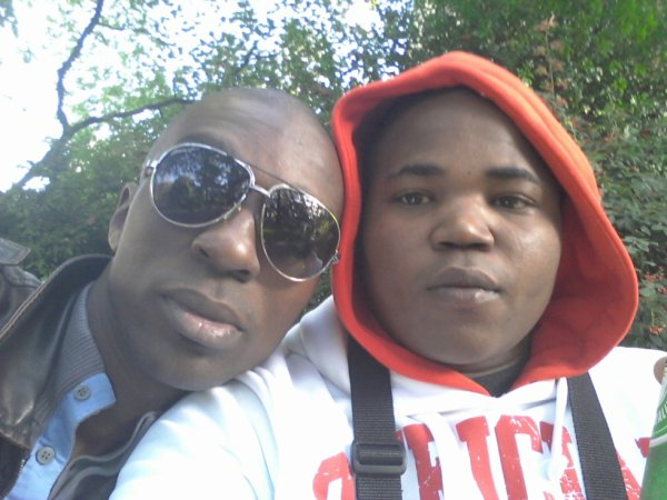 moi et mn cousin tena wech