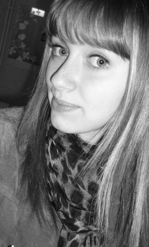 Je veux être l'air que tu respires, le ciel que tu contemples, les lèvres que tu embrasses mais par dessus tout la raison qui fait battre ton coeur.
