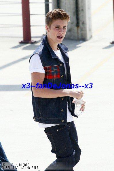 Justin bieber boyfriend.