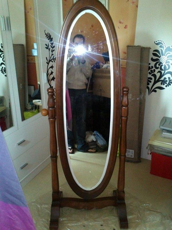 custom miroir sur pieds ovale du neuf avec du vieux l 39 art de r nover. Black Bedroom Furniture Sets. Home Design Ideas
