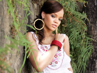 La biographie de Rihanna ♥ ♥