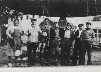 et voila encore une très vieille photo de famille