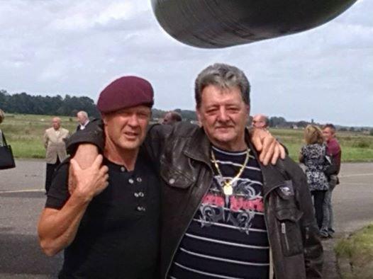 hé voila mon frère kèkè lui meme ancien para a une journée souvenir des anciens parachutistes le 29 08 2014 de la royale 13 eme  compagnies