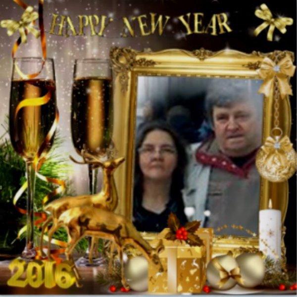 joli cadeaux de mes amies Blanche628 & petitemamiedu13 & lili2248 &Kadopaula &rosie & manue (Kadocaline).. et je vous souhaite une très bonne année a vous tous