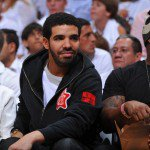 Drake assiste à un match de basket avec Lil Wayne