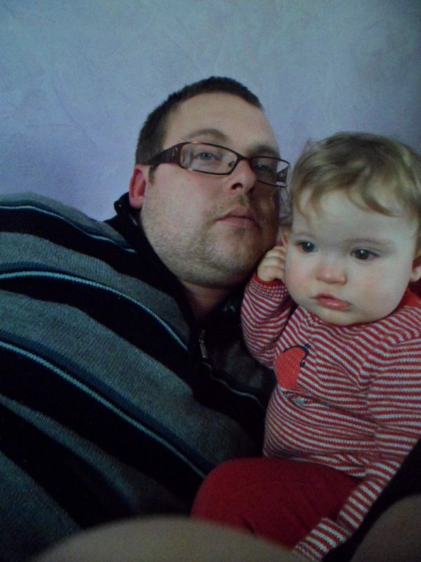 Papa et Emma => 16 mois