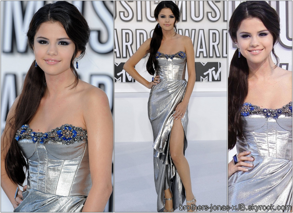 Selena aux MTV Vidéo Music Awards 2010 le 12 Septembre à Los Angeles.