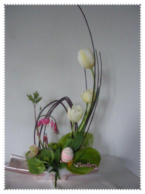 Tulipes et oeuf en cornouiller