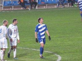 """Grégory n'a pas joué vendredi mais hier il était titulaire avec la réserve """" ESTAC B 1-2 St Dizier """" il est sorti a la 76 eme sa fait plaisir de le voir sur les terrains :)"""