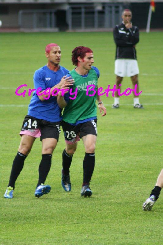 Greg a été titulaire vendredi contre Amiens , nous avons gagnés 2-0 , bravo a l'équipe !!! saison pro la ligue 1, reprise le 27 juin , mais avant tout sa, je souhaite de bonnes vacances a Gregory .. ;)