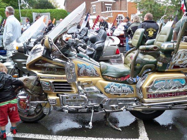 UN RASSEMBLEMENT DE MOTO GOLDWIND DANS LE NORD DE LA FRANCE LE 17 SEPTEMBRE 2011