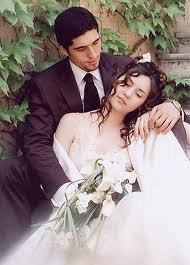 Les amitiés, comme les mariages, dépendent de la faculté de pardonner l'impardonnable.  ♥