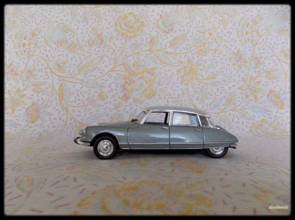 """Citroen DS  """"Pallas 1967""""."""
