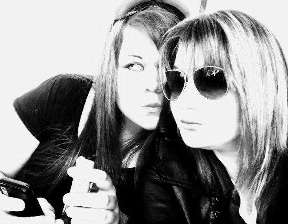 . Les amitiés de l'adolescence, rien ne peut en effacer complètement la trace dans notre coeur. Ce que nous avons de meilleur, nous le devons à la pureté et à la grandeur des sentiments qu'elles nous ont fait éprouver. ♥.