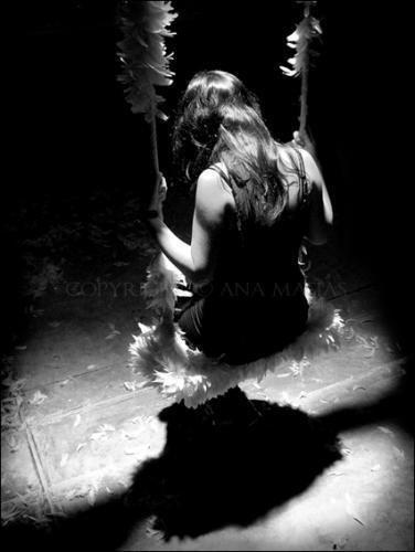 Quand la mélancolique nous tient , on ne rêve qu'a partir loin d'ici , pour oublier notre amertume , partir si loin ne jamais revenir ...