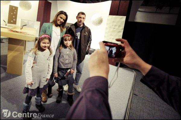 | xShy'm était à Clermont-Ferrand hier. Voici trois photos de son interview dans le «Le Plateau Central» x |