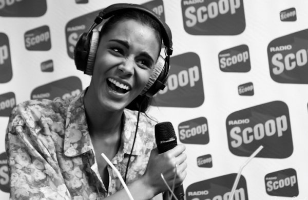 Shy'm était à Lyon hier et en direct sur Radio Scoop entre 11h et 12h. Podcast & photos