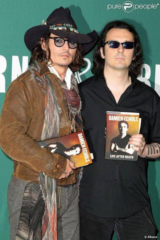 Johnny crée son édition de livre
