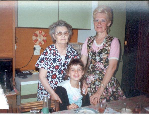 maman 13 ans déjà ce 21 mars que tu nous a quittée pour rejointre papa
