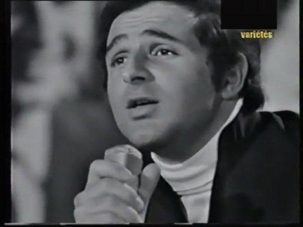 Richard Anthony est mort ce lundi à l'âge de 77 ans. Le chanteur des yéyés, pionnier du twist, compte près de 57 ans de carrière et autant d'anecdotes.