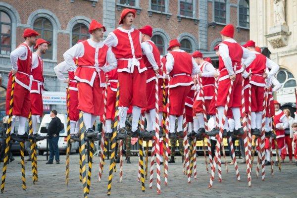 NAMUR Fête de Wallonie: un samedi coloré de folklore