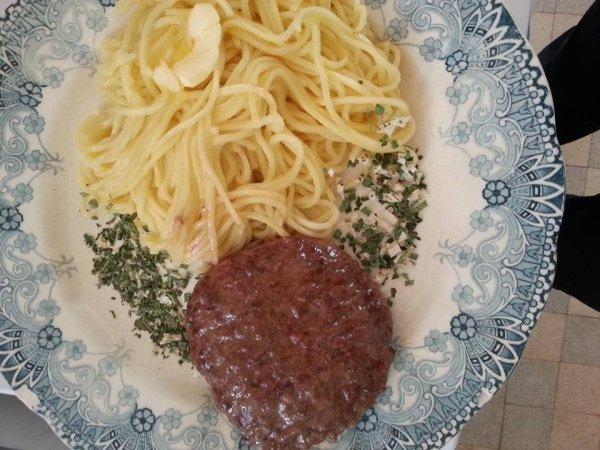 pâte avec steak haché