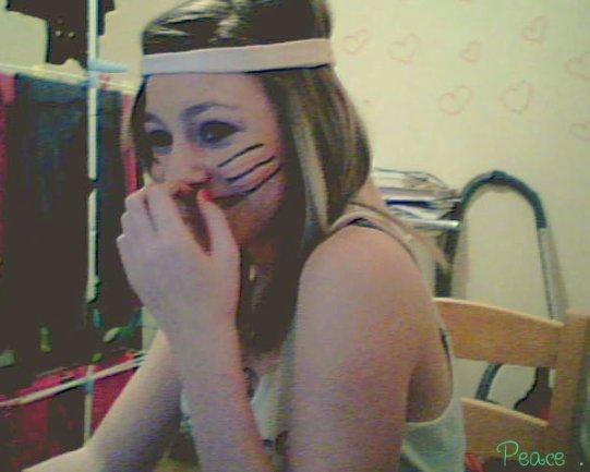 '' Je me contenterais de souvenirs, faire semblant de sourire . ''