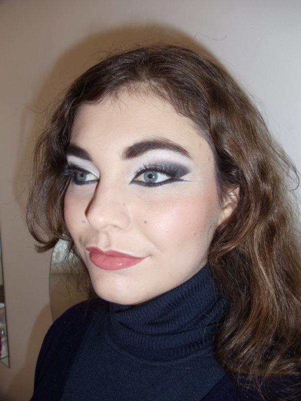 maquillage libanais noir blanc et argent princesses du desert. Black Bedroom Furniture Sets. Home Design Ideas