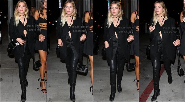 07/10/16 : Ashley, accompagnée d'une amie, a été aperçue quittant le restaurant Catch, dans West Hollywood. Elle semblait beaucoup s'amuser, ce qui est génial. Concernant la tenue, c'est encore et toujours du noir. Aucune surprise ! Mais top.[/font=Arial]