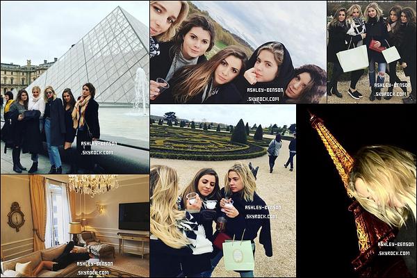 Novembre 2016 | Avec ses amies, à Paris.